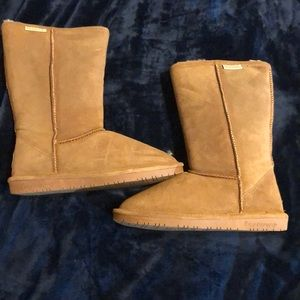 Bearpaw mid boots